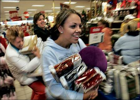 Black Friday Shoppers rush from bargain to great deal~!